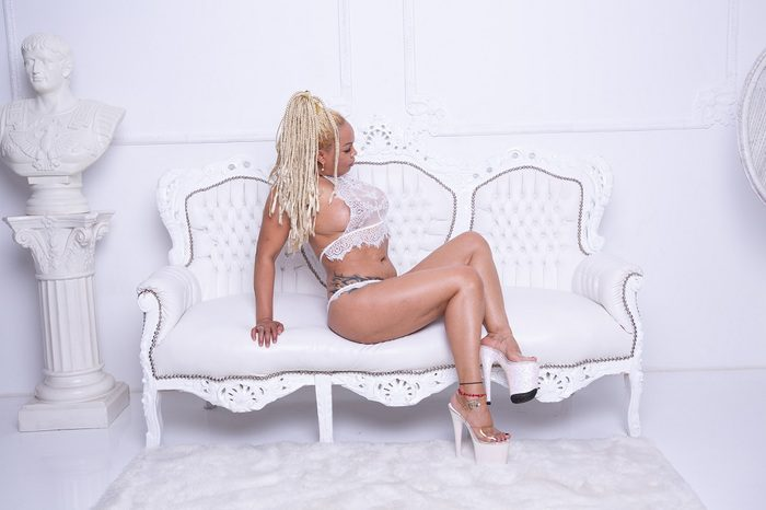 Escortlady-Jennifer-17
